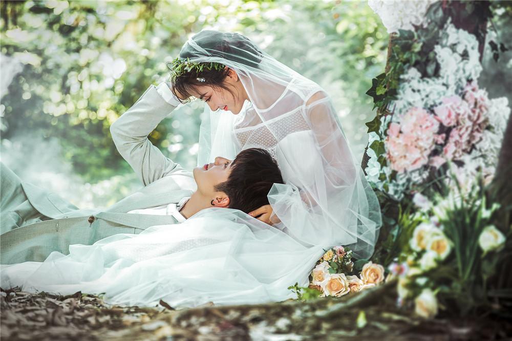 梦幻森系婚纱照